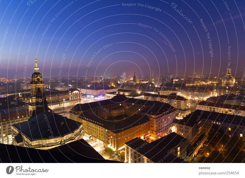 Wunderschöne Nacht in Dresden - ein lizenzfreies Stock