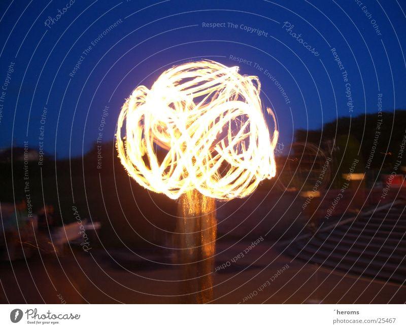 Fire Dancer Langzeitbelichtung Nacht Nachthimmel Freizeit & Hobby Fakeln Brand Feuerkugel
