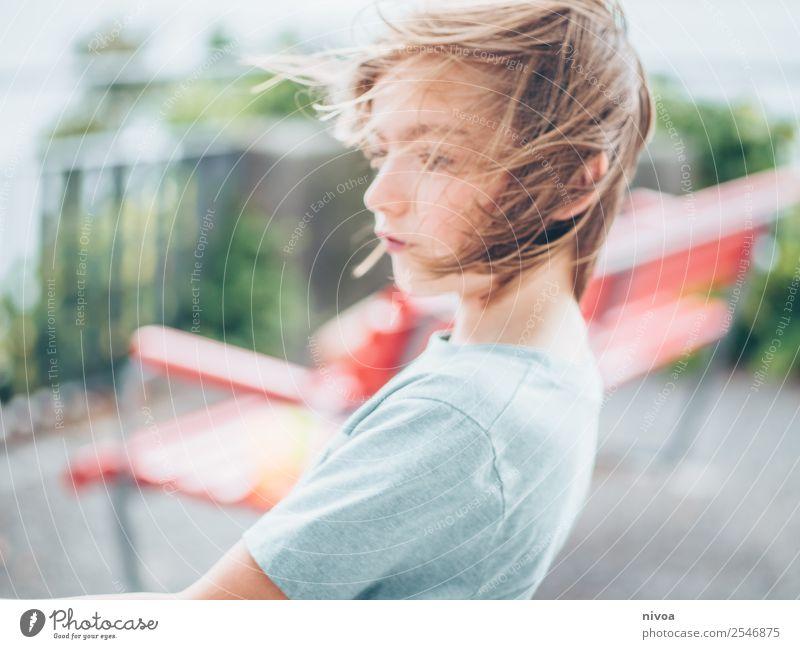 Junge im Wind Freizeit & Hobby Spielen Kindererziehung Schulkind Schüler Mensch maskulin Kopf 1 8-13 Jahre Kindheit Umwelt Natur Klima Klimawandel Wetter
