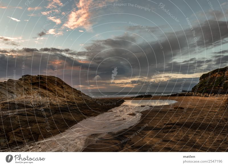 Mündung Natur Landschaft Himmel Wolken Horizont Sonnenaufgang Sonnenuntergang Sommer Schönes Wetter Felsen Wellen Küste Flussufer Strand Bucht Meer Menschenleer