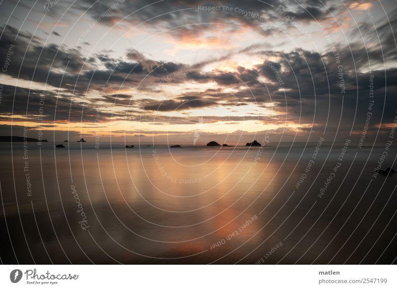 Sommerabend Natur Landschaft Luft Wasser Himmel Wolken Horizont Sonnenaufgang Sonnenuntergang Schönes Wetter Felsen Küste Bucht Meer Menschenleer dunkel