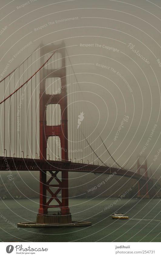 Golden Gate Bridge Ferien & Urlaub & Reisen Ausflug Ferne Sightseeing Städtereise Meer schlechtes Wetter Nebel Küste Bucht San Francisco Kalifornien Nordamerika