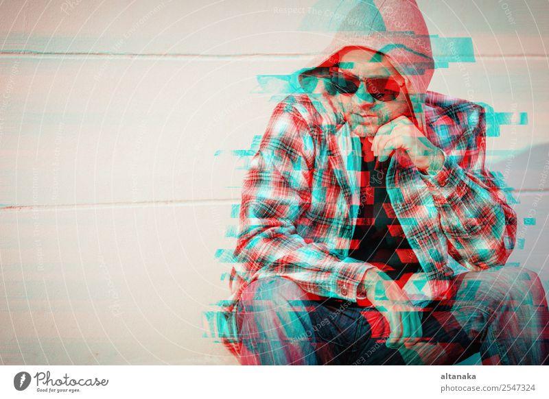 Porträt eines einsamen traurigen Mannes Lifestyle Gesicht Mensch Erwachsene Familie & Verwandtschaft Mode Traurigkeit Gefühle Sorge Trauer Müdigkeit Schmerz