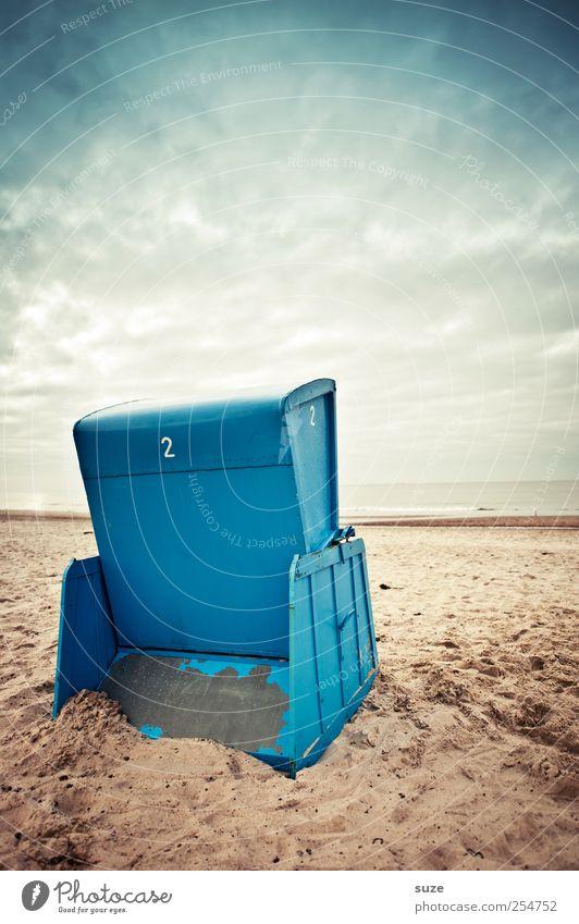 Beach-TV Freiheit Sommer Sommerurlaub Umwelt Natur Sand Luft Himmel Horizont Klima Wetter Küste Strand Ostsee Meer Holz Ziffern & Zahlen blau Ende Strandkorb