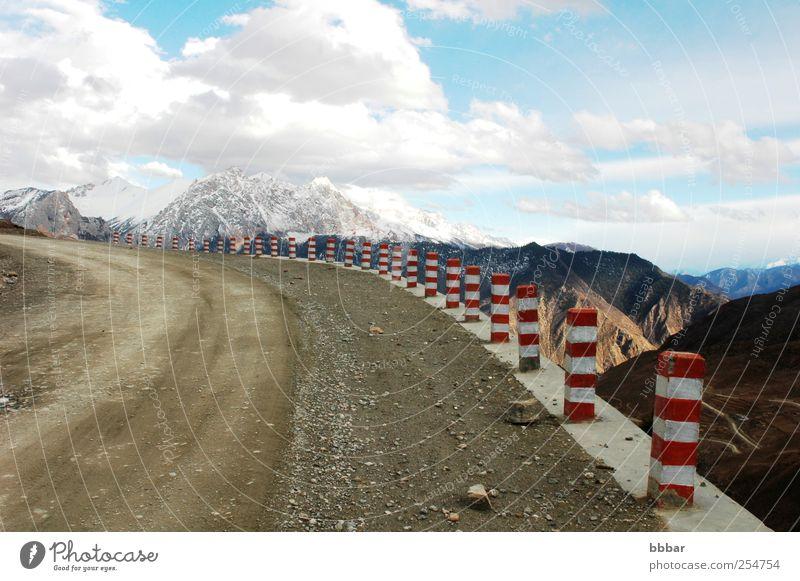 Himmel Natur blau weiß rot Ferien & Urlaub & Reisen Winter Wolken Schnee Umwelt Landschaft Berge u. Gebirge Ausflug Abenteuer Verkehr Tourismus