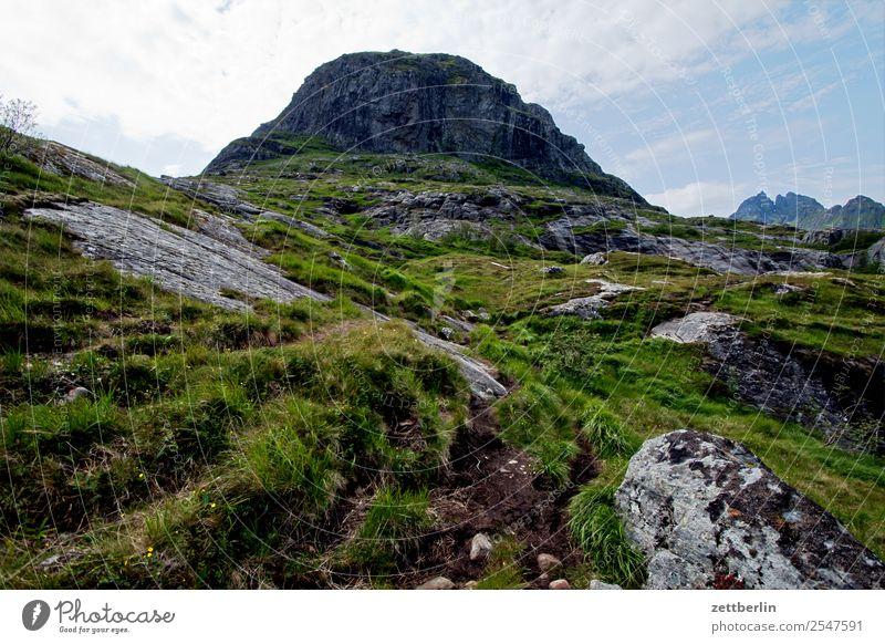 Vestertinden Lofoten Berge u. Gebirge Hügel Europa Polarmeer Felsen Ferien & Urlaub & Reisen Fjord Himmel Himmel (Jenseits) Horizont Insel Halbinsel Landschaft
