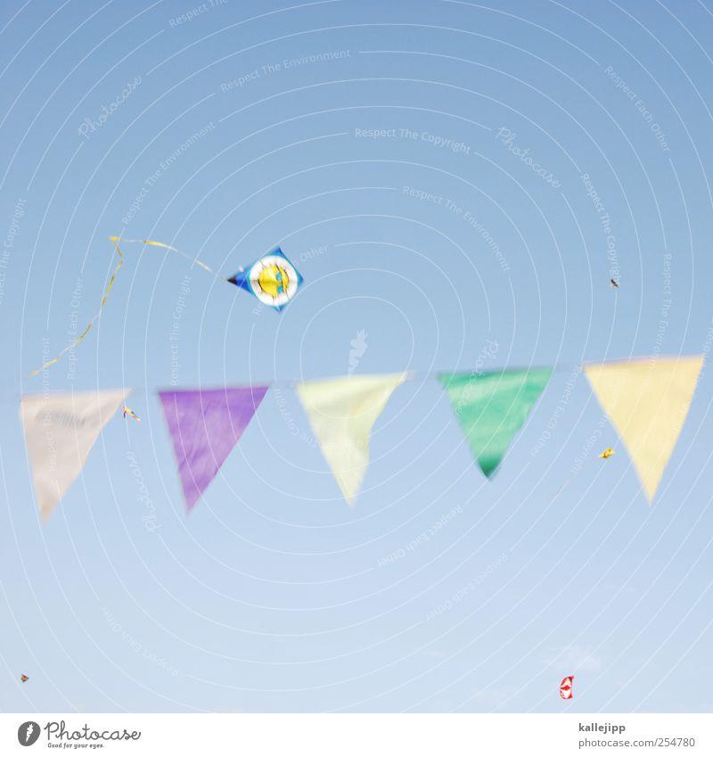 luftzirkus Lifestyle Freude Freizeit & Hobby Spielen Natur Himmel Wolkenloser Himmel Wetter Schönes Wetter Wind fliegen Drache Lenkdrachen Fahne Spielzeug
