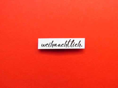 weihnachtlich. Schriftzeichen Schilder & Markierungen Kommunizieren Zusammensein glänzend rot schwarz weiß Gefühle Stimmung Freude Fröhlichkeit Zufriedenheit