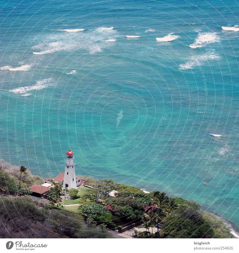 Hawaii I Sommerurlaub Meer Wellen Wasser Küste Pazifik Honolulu USA Amerika Menschenleer Leuchtturm schön blau Ferne Brandung Farbfoto Außenaufnahme