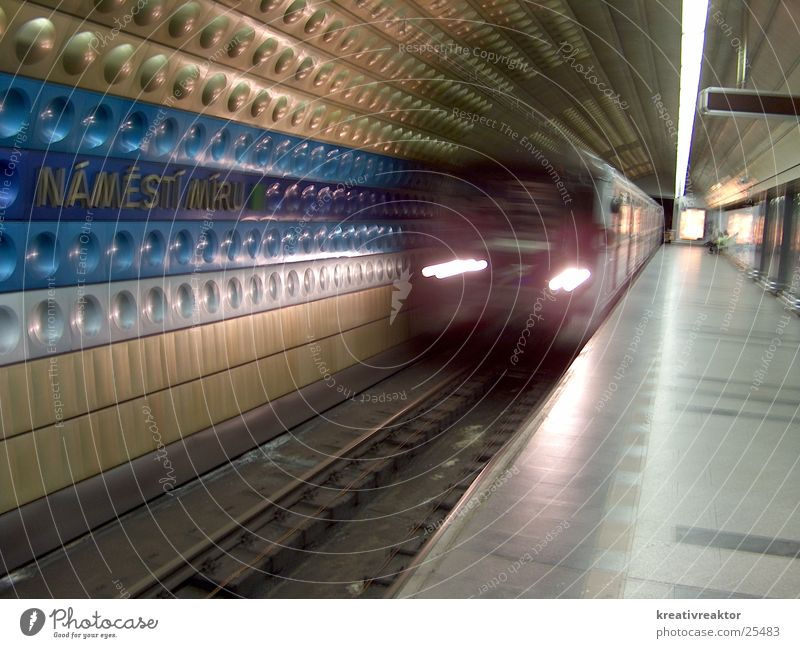 Station Namtestí Míru U-Bahn Prag London Underground Verkehr Öffentlicher Personennahverkehr fahren Bahnhof Europa unterirdisch Ferien & Urlaub & Reisen ÖV