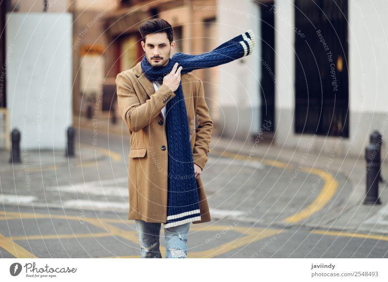 Mensch Jugendliche Mann schön Junger Mann weiß Winter 18-30 Jahre Straße Lifestyle Erwachsene Herbst Stil Mode Haare & Frisuren maskulin