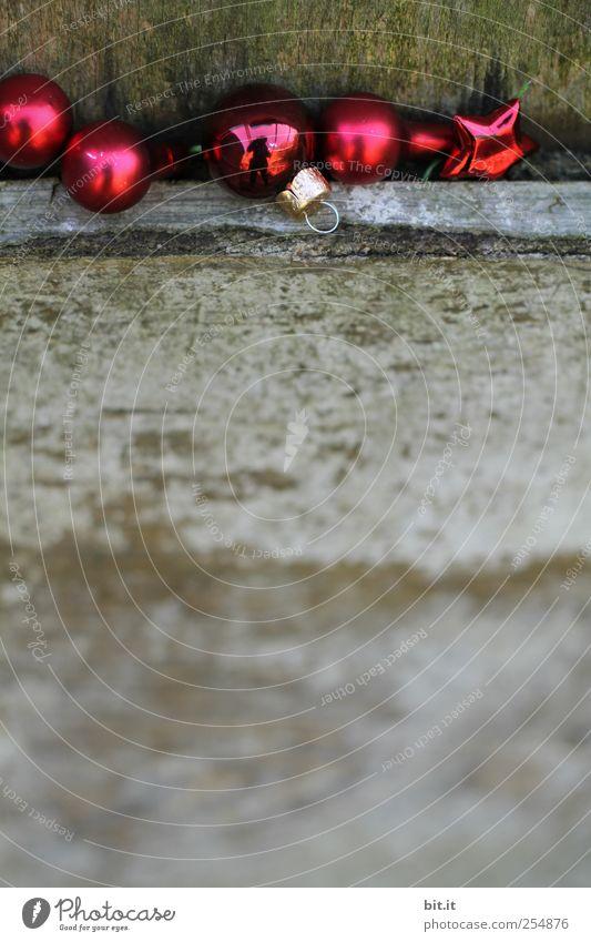 Kugelkuscheln... Lifestyle Haus einrichten Dekoration & Verzierung Glas alt glänzend rund braun grau rot Weihnachten & Advent Weihnachtsdekoration
