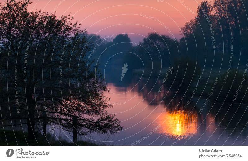 Sonnenaufgang am Fluss Natur blau Wasser Landschaft Baum Einsamkeit Winter dunkel schwarz Herbst Innenarchitektur Glück orange Dekoration & Verzierung träumen