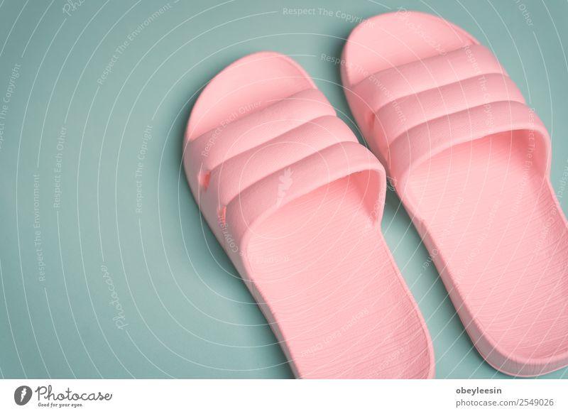 Frau Ferien & Urlaub & Reisen Sommer Farbe Sonne weiß rot Erholung Strand Erwachsene Liebe Fuß Mode rosa Freizeit & Hobby hell