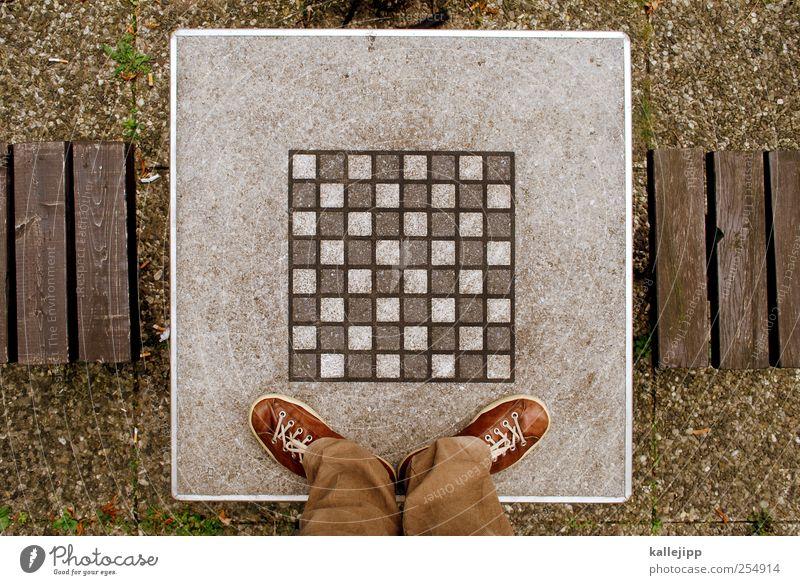 bauernopfer Mensch Spielen Beine Fuß Freizeit & Hobby Tisch Spielfeld Quadrat Geometrie Symmetrie Schach Schachbrett standhaft Matrix Kriegsschauplatz Schiedsrichter