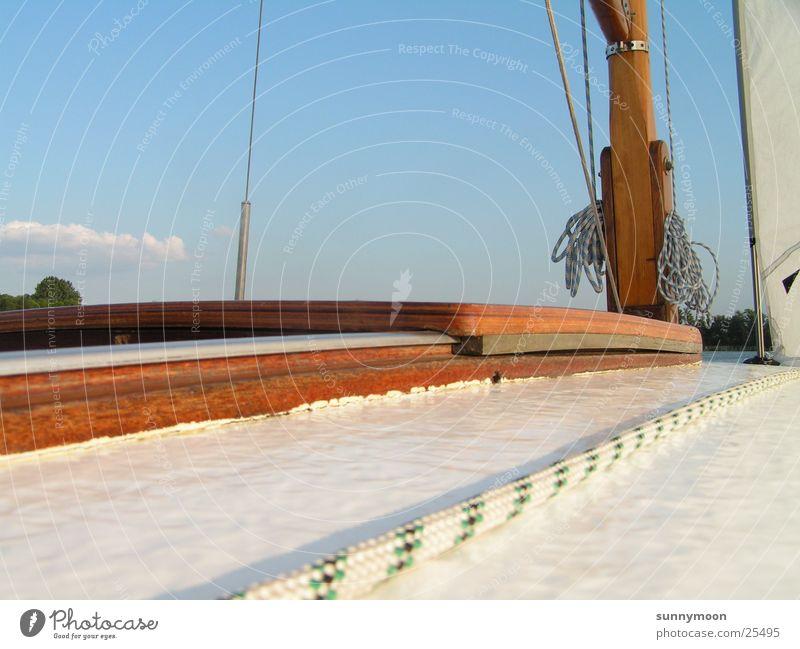 Segeldeck Segelboot Segeln Wasserfahrzeug Europa Sonnendeck auf dem Segelboot