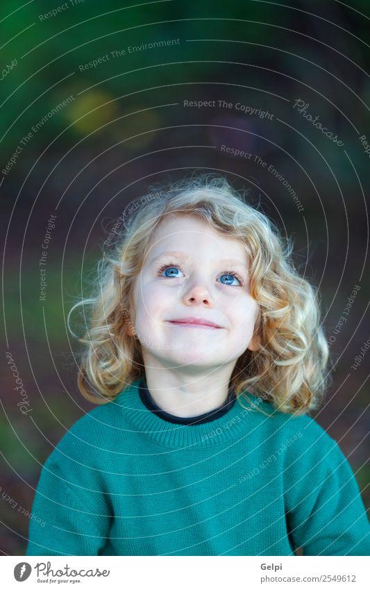 blondes Kind Glück schön Gesicht Sommer Mensch Baby Junge Mann Erwachsene Kindheit Umwelt Natur Pflanze Lächeln klein lang lustig natürlich niedlich grün weiß