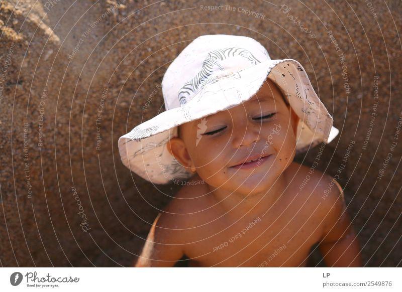 die Augen schließen Wellness Leben harmonisch Wohlgefühl Zufriedenheit Sinnesorgane Erholung Freizeit & Hobby Spielen Kinderspiel Ferien & Urlaub & Reisen