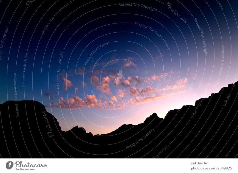 Dämmerung Himmel Natur Ferien & Urlaub & Reisen Himmel (Jenseits) Landschaft Wolken Reisefotografie Textfreiraum Felsen Horizont Europa Insel Skyline