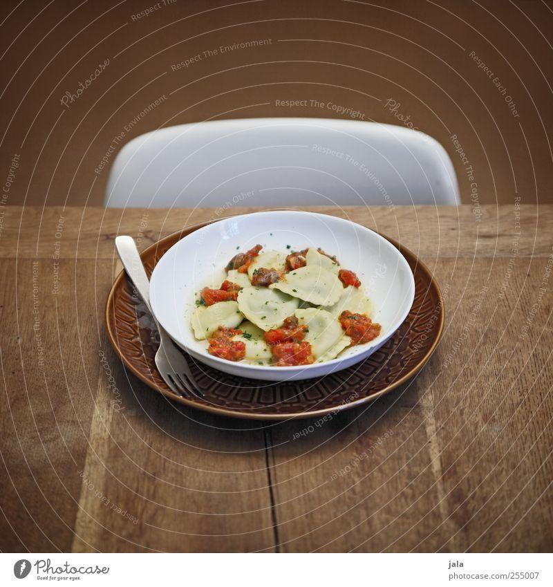 pansotti di magro Ernährung Lebensmittel Stuhl Geschirr lecker Teller Mittagessen Bioprodukte Backwaren Gabel Teigwaren Vegetarische Ernährung Holztisch