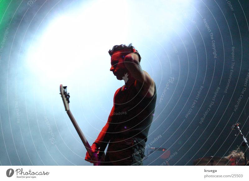 Lonely Bassman Musik Stimmung Freizeit & Hobby Konzert Gitarre Bühne Musikfestival Kontrabass
