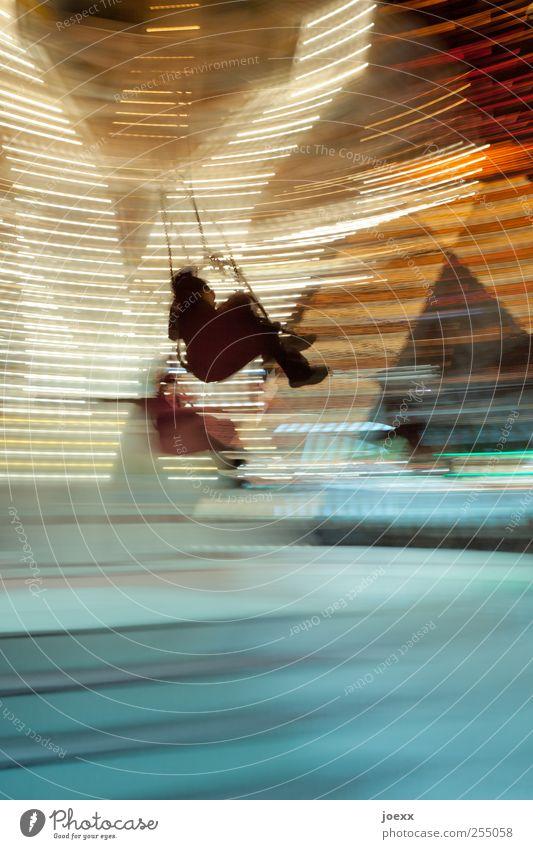 Wenn es soweit ist Mensch blau weiß Freude gelb Bewegung Glück hell Kindheit Freizeit & Hobby fliegen Geschwindigkeit drehen Jahrmarkt Lebensfreude Veranstaltung