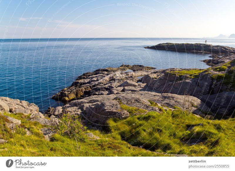 Amundsholmen Himmel Natur Ferien & Urlaub & Reisen Himmel (Jenseits) Wasser Landschaft Meer Reisefotografie Ferne Textfreiraum Felsen Horizont Europa Insel