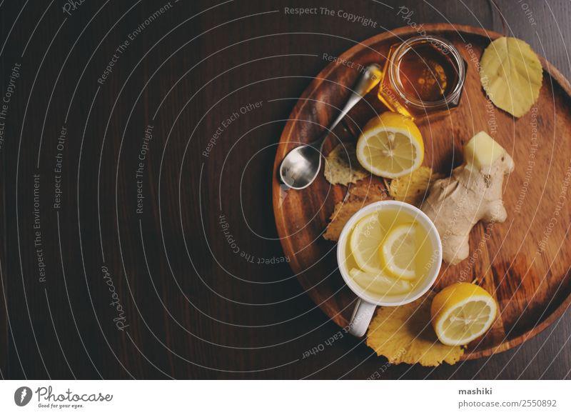 Kochen von Ingwer, Zitrone und Honig Heißer Tee Frucht Kräuter & Gewürze Vegetarische Ernährung Getränk Alternativmedizin Winter Tisch frisch heiß natürlich