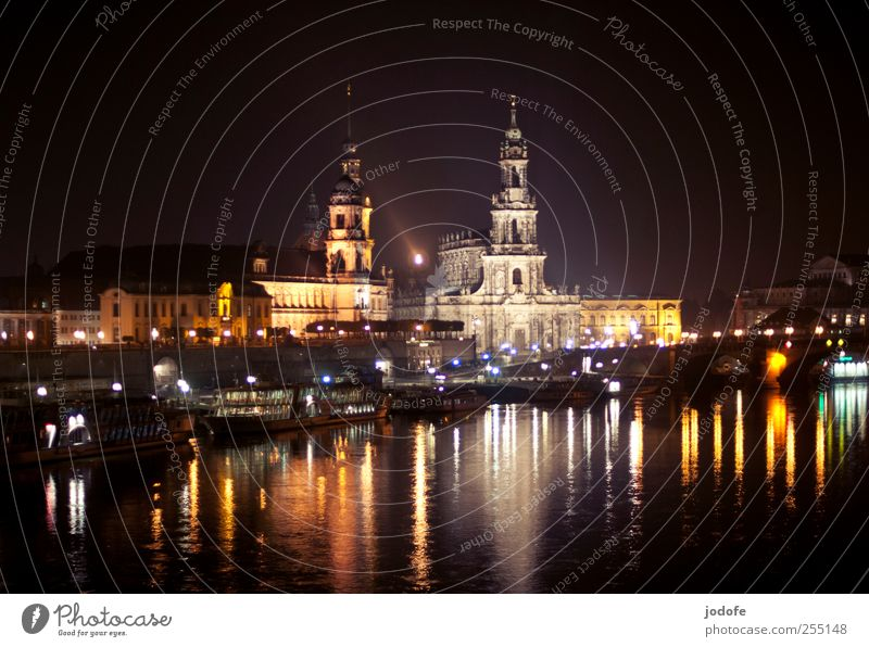 B@DD 11 | Dresden bei Nacht alt Wasser schön Stadt dunkel Küste hell Wasserfahrzeug Beleuchtung glänzend Kirche Idylle Dresden Postkarte Skyline Burg oder Schloss