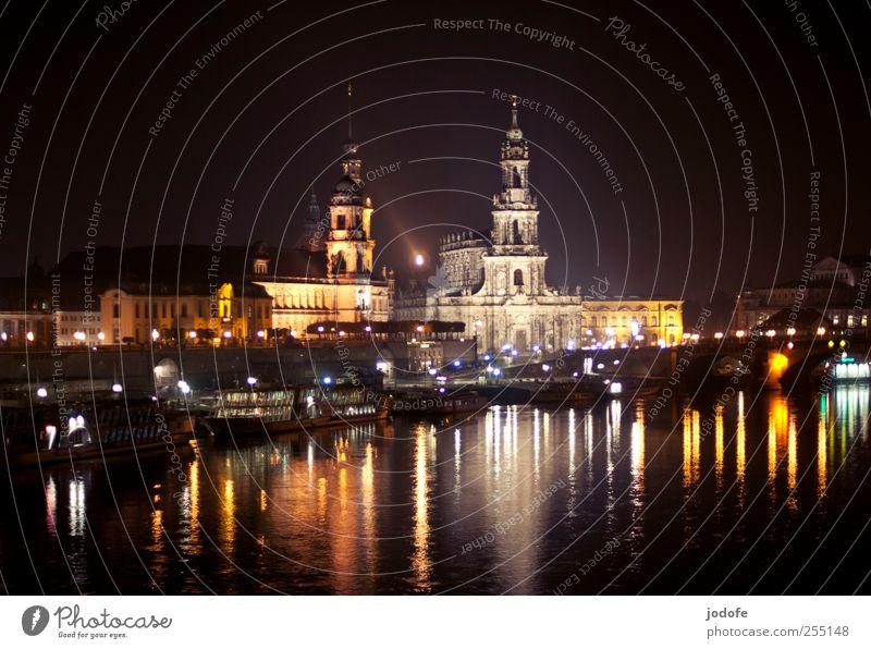 B@DD 11 | Dresden bei Nacht Stadt Stadtzentrum Altstadt Kirche Burg oder Schloss Sehenswürdigkeit Wahrzeichen Denkmal Bekanntheit dunkel hell schön Wasser Elbe