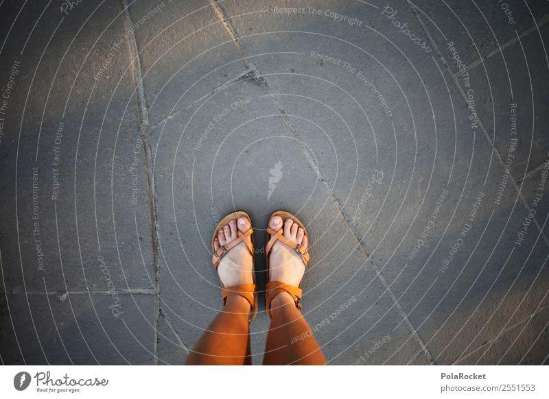 #A# Shoes Kunst ästhetisch Beine Sandale Fuß stehen Meinung Standort 2 Perspektive Boden Bodenbelag Farbfoto Gedeckte Farben Außenaufnahme Detailaufnahme