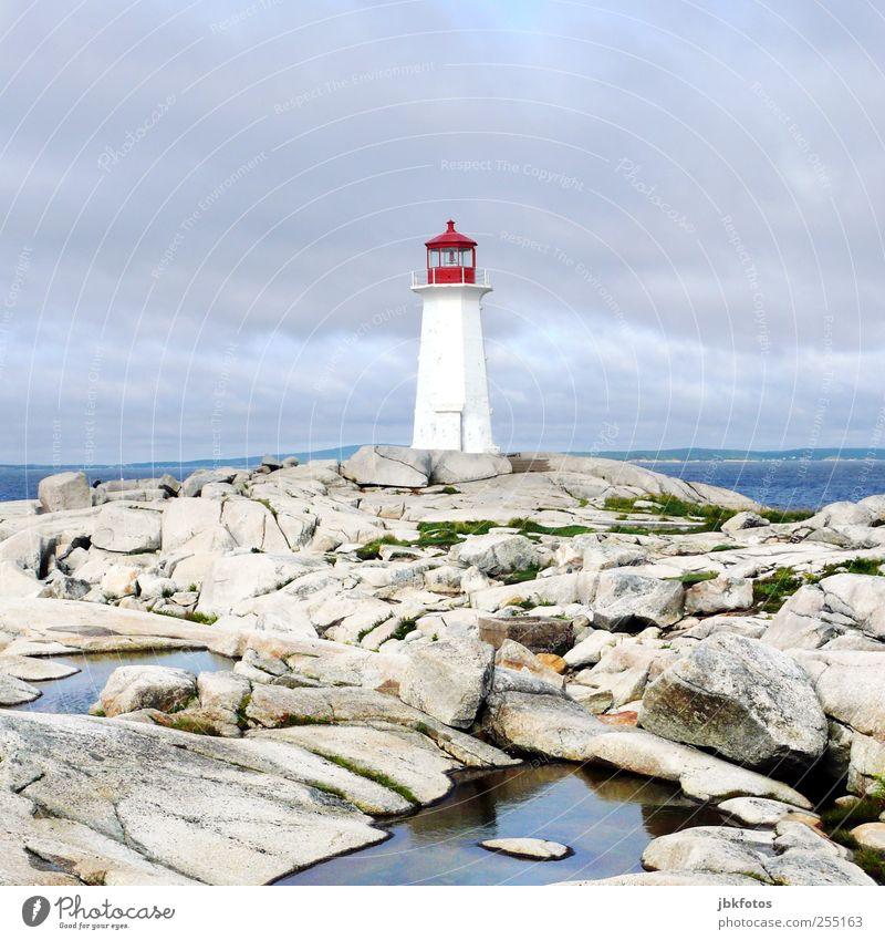 Peggy`s Cove Landschaft Urelemente Felsen Sehenswürdigkeit außergewöhnlich bedrohlich Ferne Unendlichkeit Kitsch blau weiß Leuchtturm peggy`s cove Nova Scotia