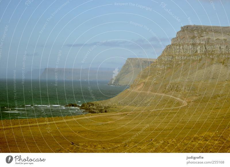 Island Umwelt Natur Landschaft Erde Wasser Himmel Hügel Felsen Berge u. Gebirge Wellen Küste Meer Westfjord Wege & Pfade natürlich wild Farbfoto Außenaufnahme