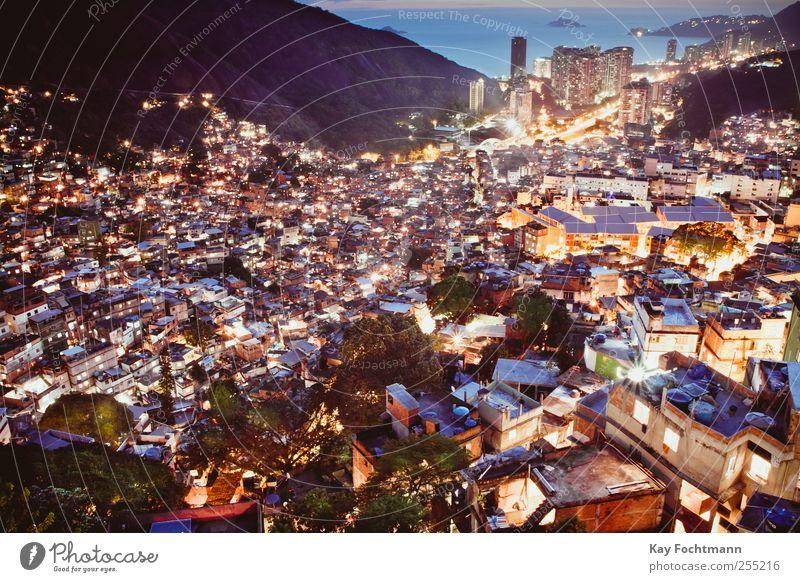 Rocinha Stadt Haus Straße Angst Wohnung Armut Abenteuer Energie Hochhaus Tourismus Häusliches Leben einzigartig Gewalt Hütte Stress chaotisch
