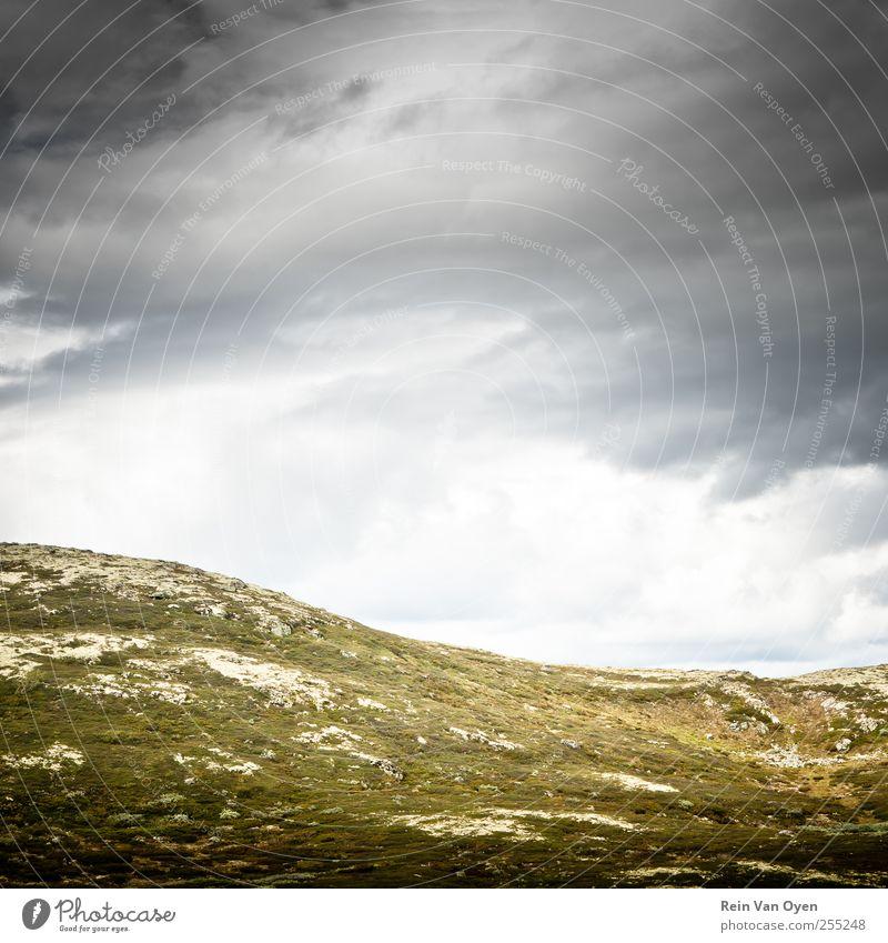 Himmel Natur Ferien & Urlaub & Reisen Wolken ruhig Einsamkeit Umwelt Freiheit Landschaft Berge u. Gebirge Erde Stimmung Horizont Felsen Abenteuer Hügel
