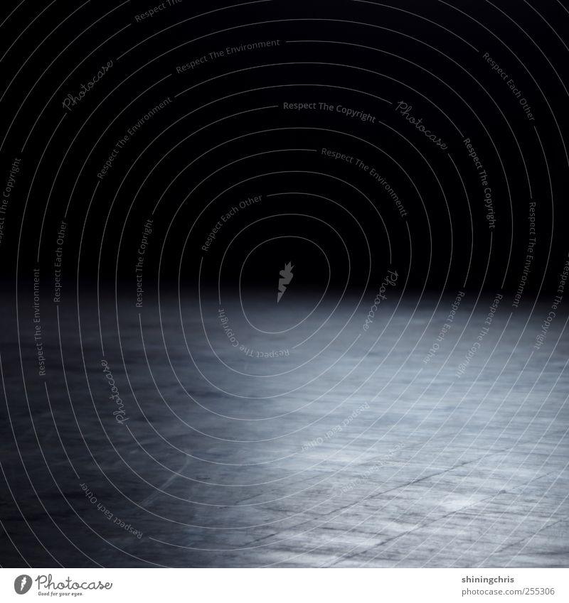 gone ruhig Einsamkeit dunkel leer Bodenbelag Parkett Saal Tanzfläche Lichteinfall