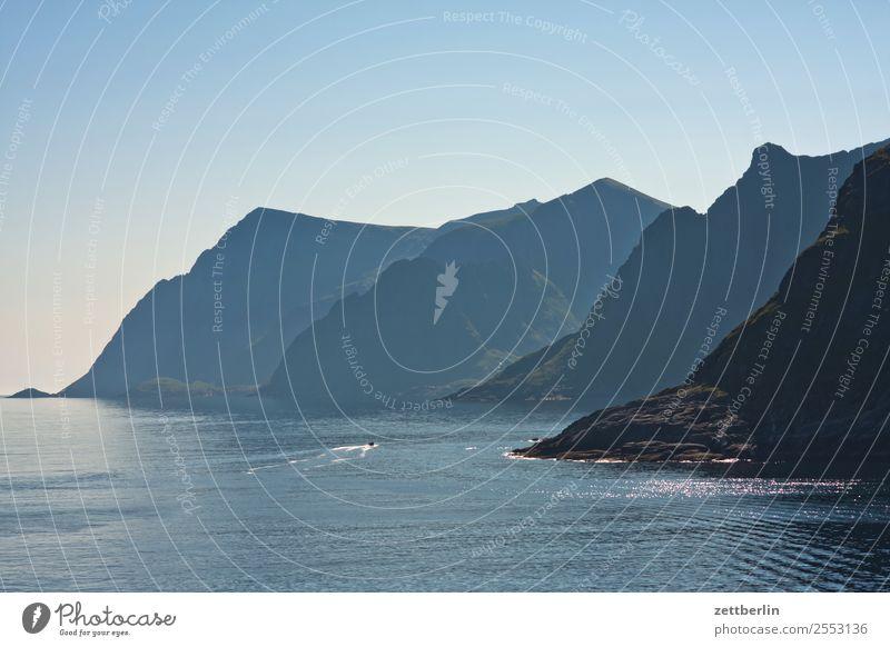 Tindsvika Himmel Natur Ferien & Urlaub & Reisen Himmel (Jenseits) Wasser Landschaft Meer Reisefotografie Berge u. Gebirge Textfreiraum Felsen Horizont Europa