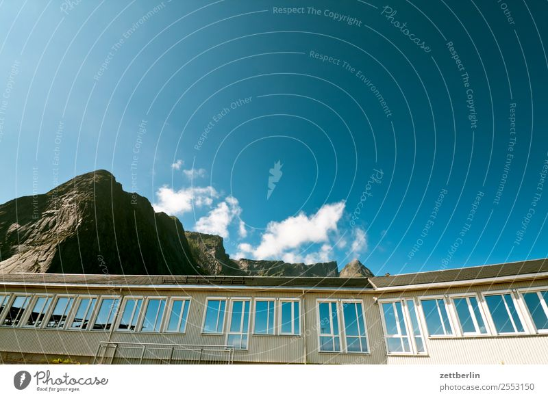 Reine Himmel Natur Ferien & Urlaub & Reisen Himmel (Jenseits) Landschaft Haus Wolken Fenster Reisefotografie Textfreiraum Fassade Felsen Horizont Europa Insel