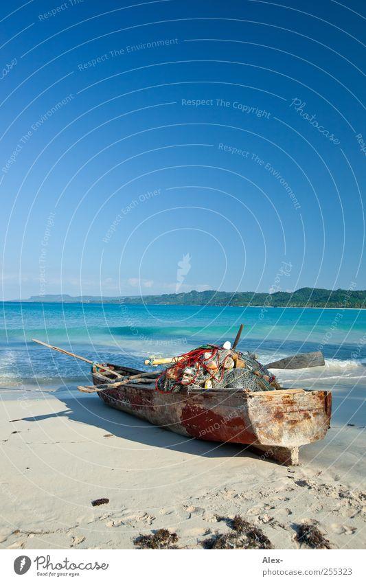 Vor dem großen Fang Himmel Natur Wasser blau Sonne Meer Ferien & Urlaub & Reisen Sommer Strand ruhig Ferne Freiheit Landschaft Holz Zufriedenheit Zeit