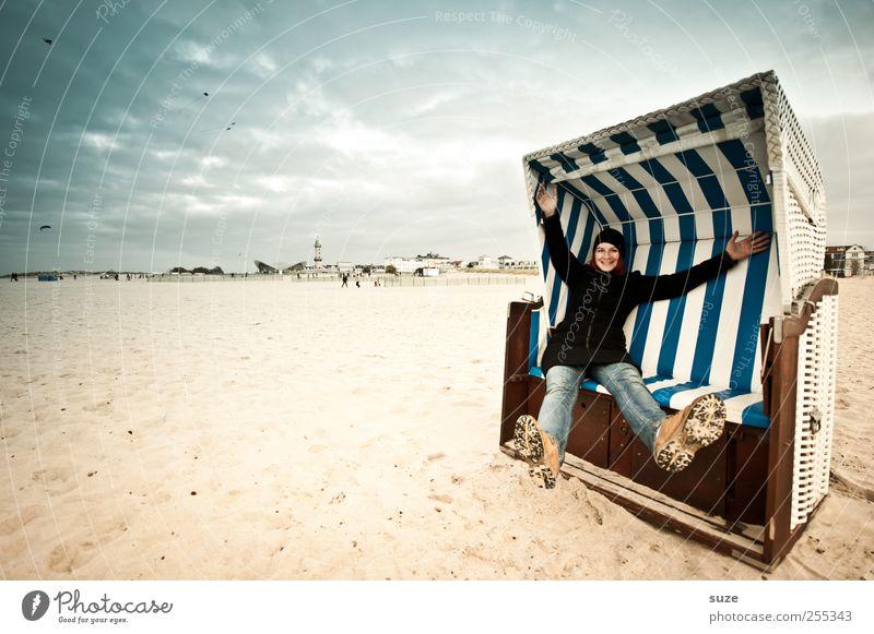 Für Dich solls bunte Bilder regnen! Mensch Frau Himmel Jugendliche blau Hand Meer Sommer Strand Freude Erwachsene Freiheit Küste Sand lachen Beine