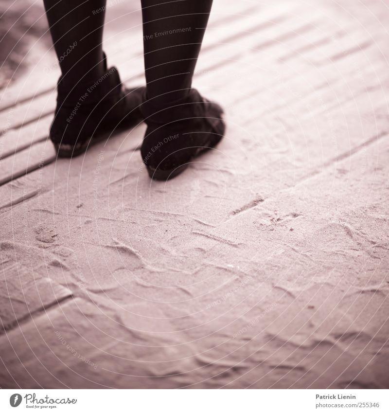 Für dich soll's bunte Bilder regnen Mensch Frau schön Erwachsene Beine Schwarzweißfoto