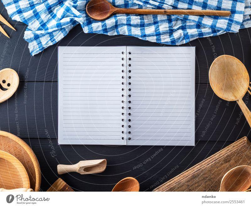 Küchenaccessoires aus Holz Schalen & Schüsseln Besteck Löffel Tisch Werkzeug Papier alt oben retro braun Idee Tradition Entwurf Top Hintergrund Holzplatte Koch