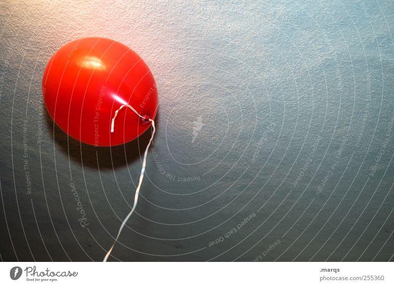 Für dich solls bunte Bilder regnen Veranstaltung Feste & Feiern Valentinstag Muttertag Geburtstag Mauer Wand Luftballon fliegen rot Freude Farbe Glückwünsche