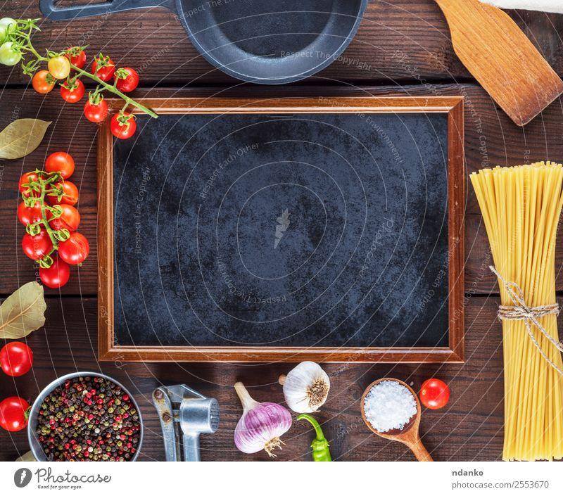 Farbe rot schwarz Essen gelb Holz Textfreiraum braun oben Linie frisch groß Kräuter & Gewürze Gemüse Tradition Backwaren