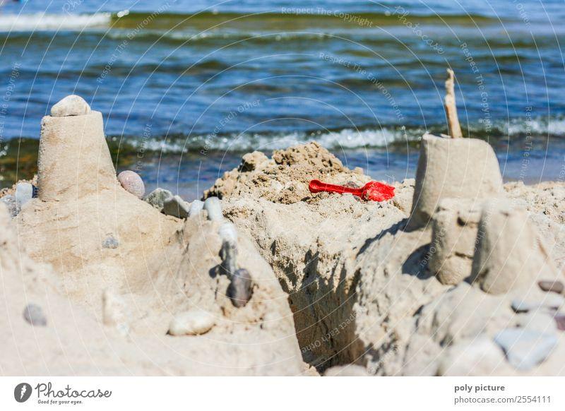 Sandburg am Strand Ferien & Urlaub & Reisen Tourismus Abenteuer Ferne Sommer Sommerurlaub Sonne Sonnenbad Meer Wellen Sonnenlicht Frühling Herbst Schönes Wetter