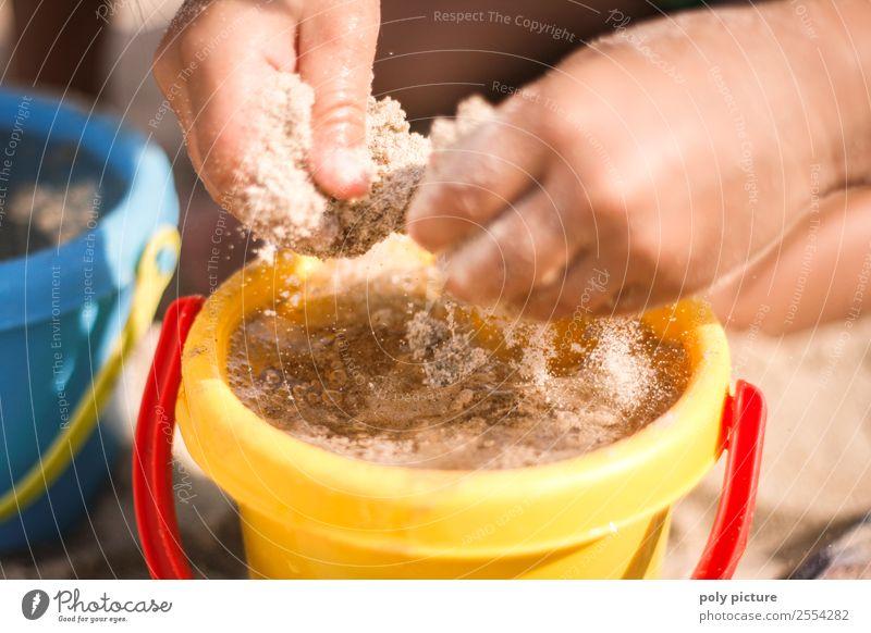 Kinderhände spielen im Sand am Strand Lifestyle Wellness harmonisch Spielen Ferien & Urlaub & Reisen Tourismus Ausflug Sommer Sommerurlaub Sonnenbad Meer