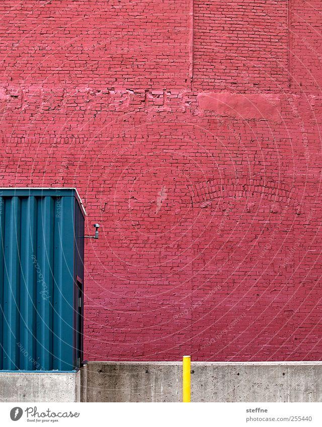für dich solls bunte bilder regnen rot Haus Wand Mauer Gebäude Fassade USA Lebensfreude graphisch Industrieanlage Backsteinfassade