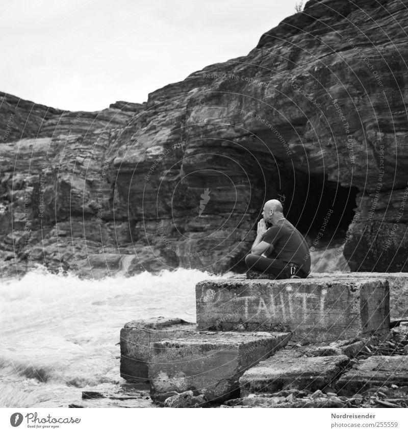 Alles Lüge Mensch Mann Natur Wasser Erwachsene Einsamkeit Ferne Erholung Freiheit Landschaft Berge u. Gebirge Wege & Pfade Stein Denken träumen Felsen