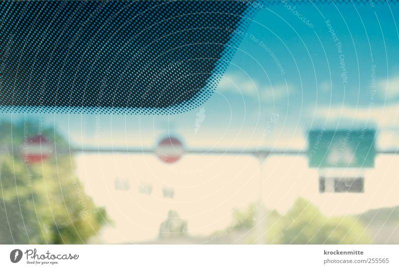 Wir fahr'n fahr'n fahr'n auf der Autobahn II Himmel blau grün Baum Wolken schwarz Landschaft PKW Schilder & Markierungen Autofenster Verkehr fahren Hinweisschild Zeichen Autobahn Verkehrswege
