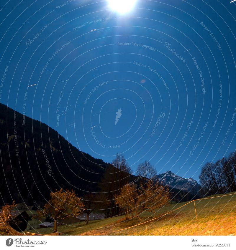 Nachthimmel Himmel Natur alt blau Baum Winter Herbst dunkel Landschaft Berge u. Gebirge Holz Bewegung hell Feld Stern frisch